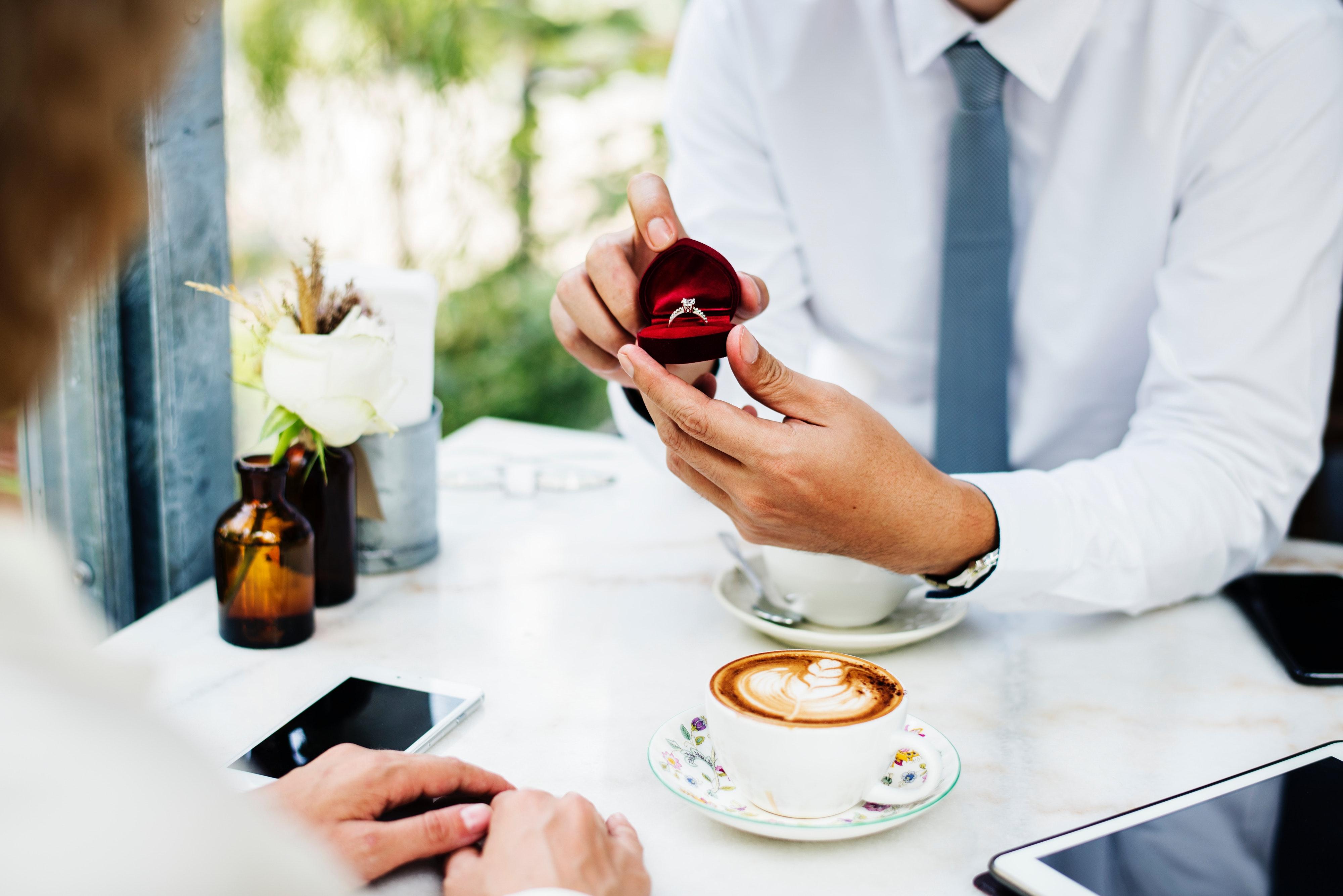 anniversary-boyfriend-cafe-1266016